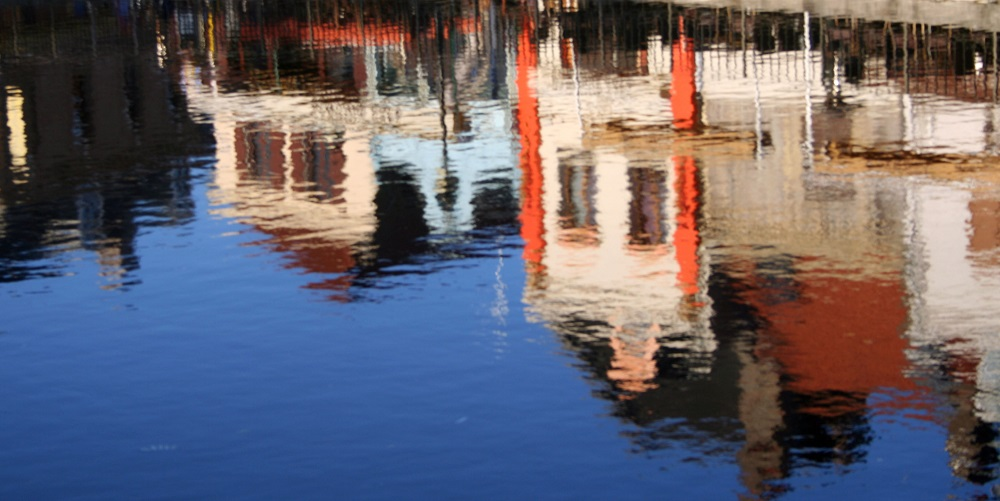 Amiens reflection jess via flickr