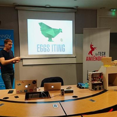 Conference presse eggs iting