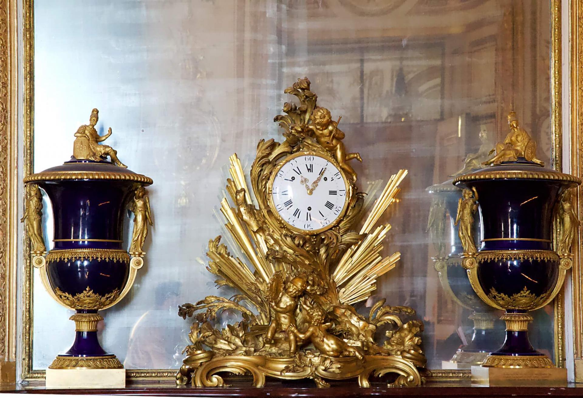 Horloge or versailles