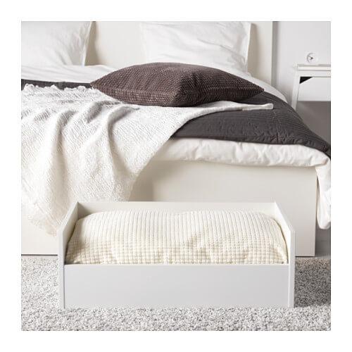 Lurvig lit avec coussin blanc